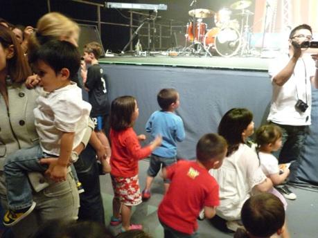 wiggles_concert_kids